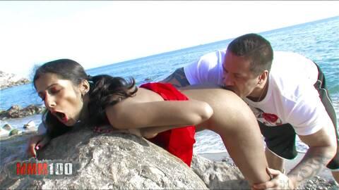 Schwede fickt Inderin am Strand!  photo 3