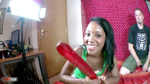 Die erste Anal-Sex-Szene für Noe photo 2