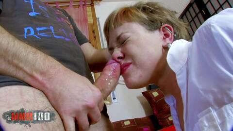 Sie hat ihn daheim als Sex-Toy-Boy!  photo 3